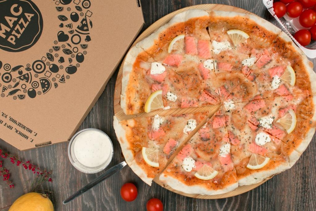 Пицца «Лосось и филадельфия»